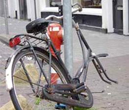 Afbeelding van een fietswrak
